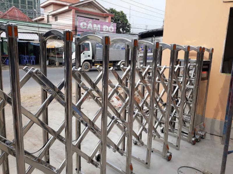 Cấu tạo các bộ phận làm nên cổng xếp inox 304 tự động