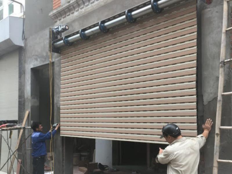 Dịch vụ sửa chữa: Hướng dẫn cách sửa cửa cuốn tại Thủ Dầu Một Bình Dương Cua-cuon-bi-ket-trong-qua-trinh-van-hanh